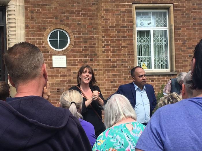 Jess addresses Garretts Green residents